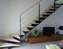 Escalier Contemporain et Moderne Limon central sur mesure en Bretagne
