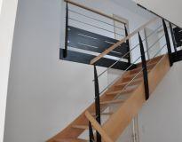 Escalier hêtre poteaux métallique