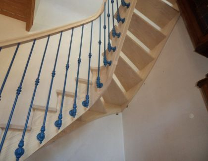 Escalier traditionnel fer forg sur mesure bretagne - Escalier debillarde ...