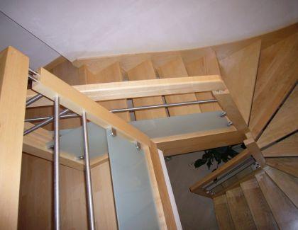 Escalier bois et verre