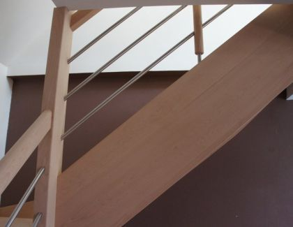Escalier hêtre avec rangement