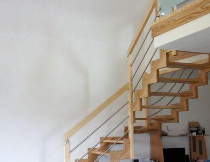 Escalier Frêne limon en Z