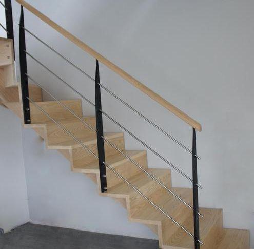 Escalier crémaillères décalées avec contremarches